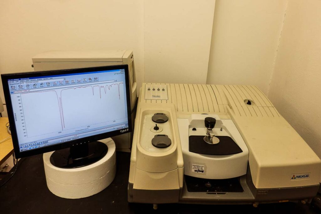 Riconoscimento polimeri tramite spettroscopia infrarossa MaterialScan Trieste