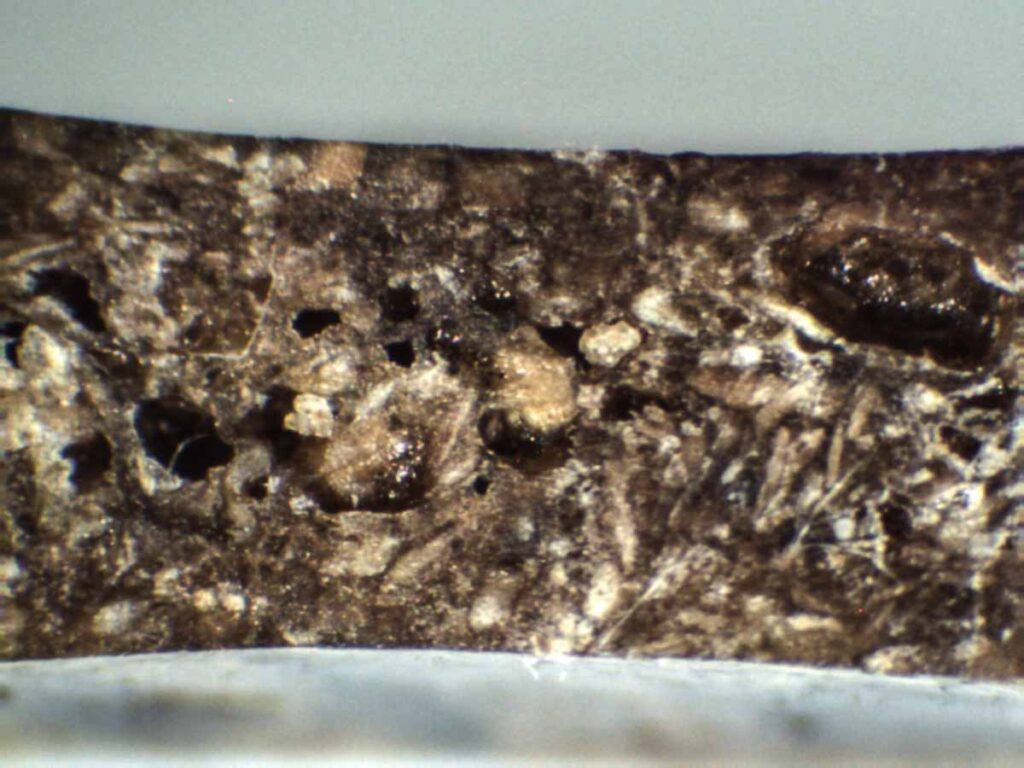 POROSITY INSIDE A MOULDED PRODUCT]